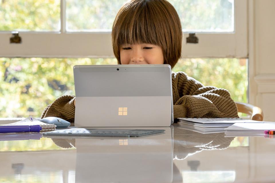 Surface Go 2 が発売!一般向けモデルはどのスペックになるか